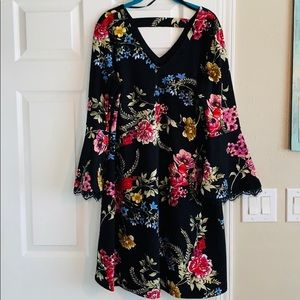 Roz & Ali Floral Bell Sleeve Sheath Dress
